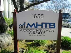 Post and Panel Monument - MHTB Accountancy